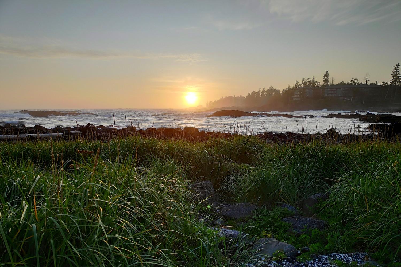 Coucher de soleil sur une plage près de Ucluelet