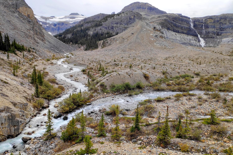 Vallée du Bow Glacier dans les Rocheuses Canadiennes