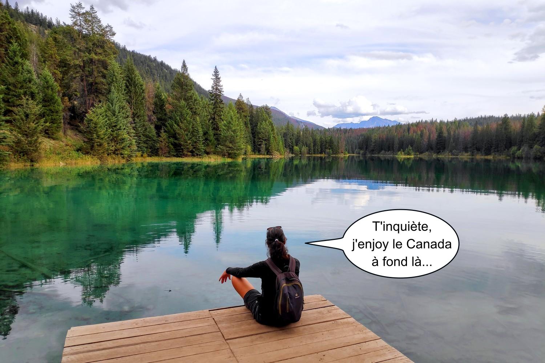 Salomé assise au bord du 5e lac